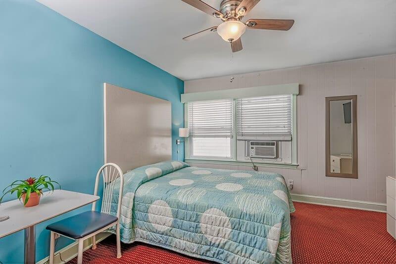 Cozy Queen Room 203, 301, 303